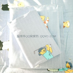 Skin-friendly cotton ins style cute bear European-style right-angle bed 100% cotton quilt single nude sleeping single bedding-single product (blue and gray-Winnie the Pooh)