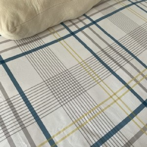 Export day single-tailed simple cotton twill bed sheet cotton quilt (white background-blue and yellow plaid)