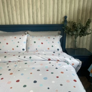 Single-tailed cotton twill bed sheet and cotton quilt for export day (light gray bottom-color dots)